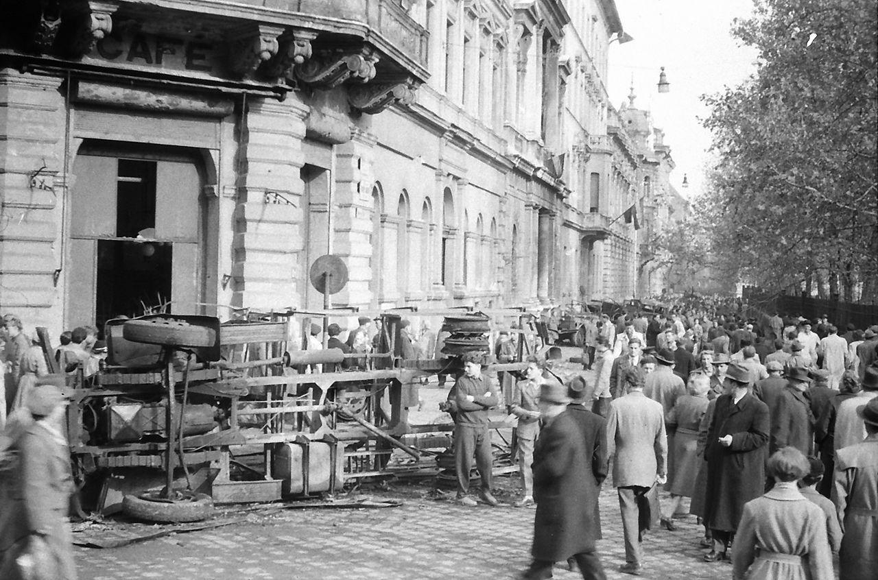 Ma sem tudni, hogy hány forradalmárt gyilkoltak meg a Magyar Rádió ostrománál