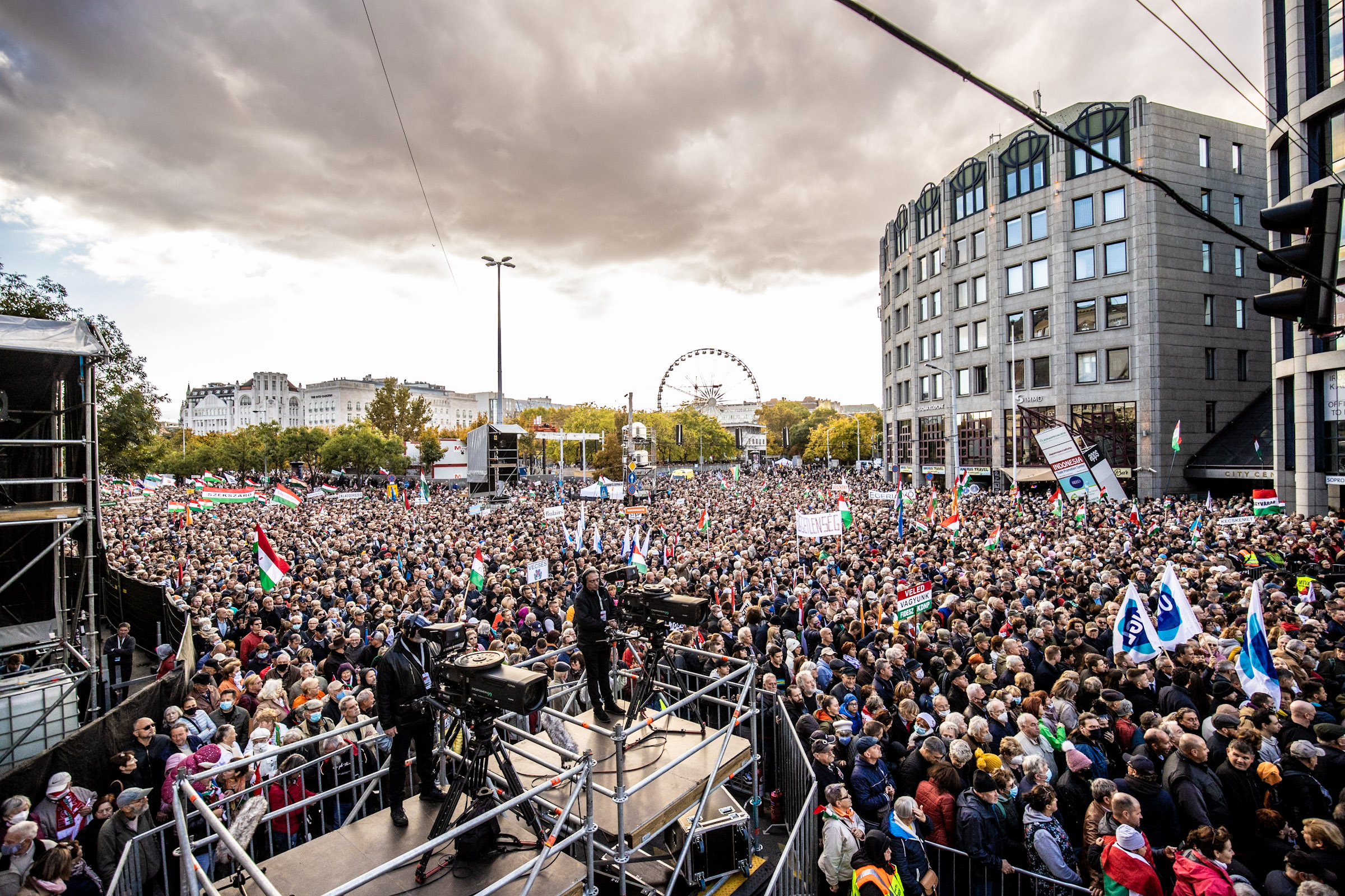A nemzeti oldal sikere október 23-án, a tömegek Orbán Viktor mögött állnak