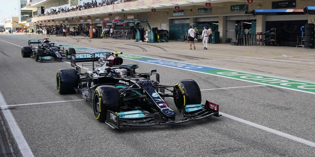 Gyilkolja a pálya az autókat, a Red Bullt és a Mercedest is erősíteni kellett
