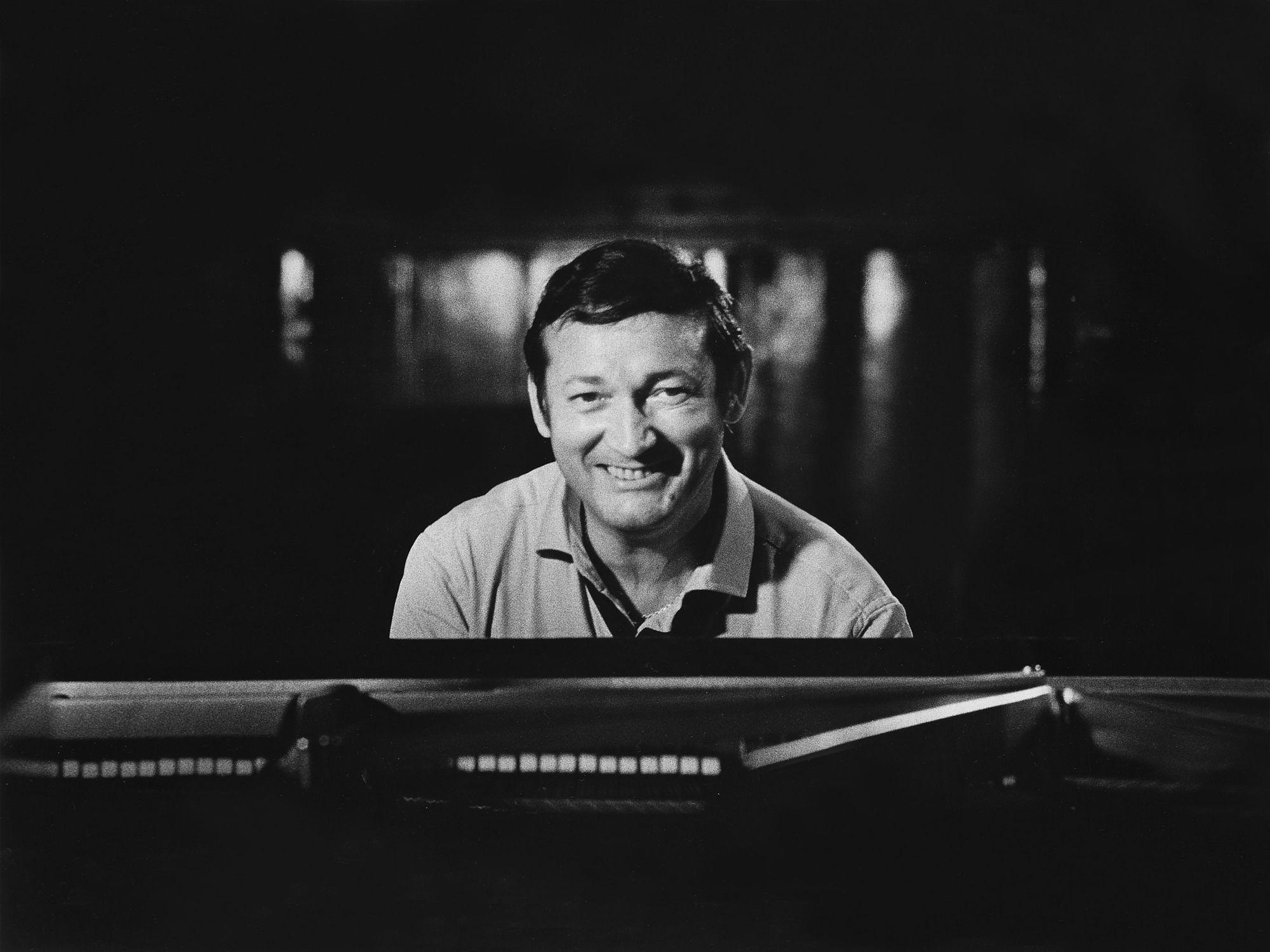 Világhírű zenekarral és Eötvös Péter-ősbemutatóval ünneplik Cziffra György születésének centenáriumát a Müpában