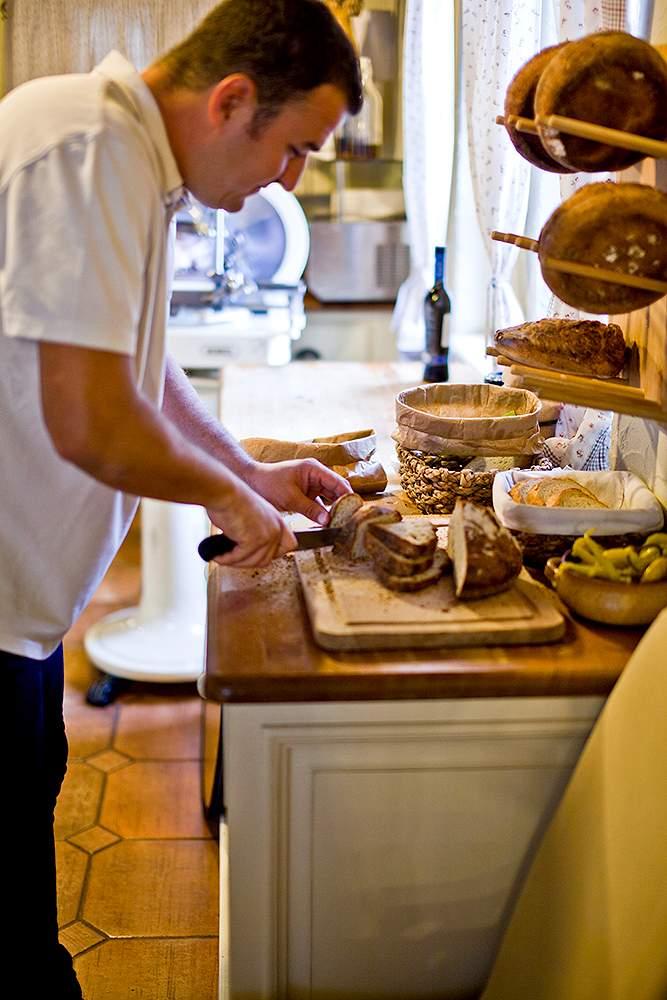 Maguk sütik a kenyeretForrás: Anyukám Mondta