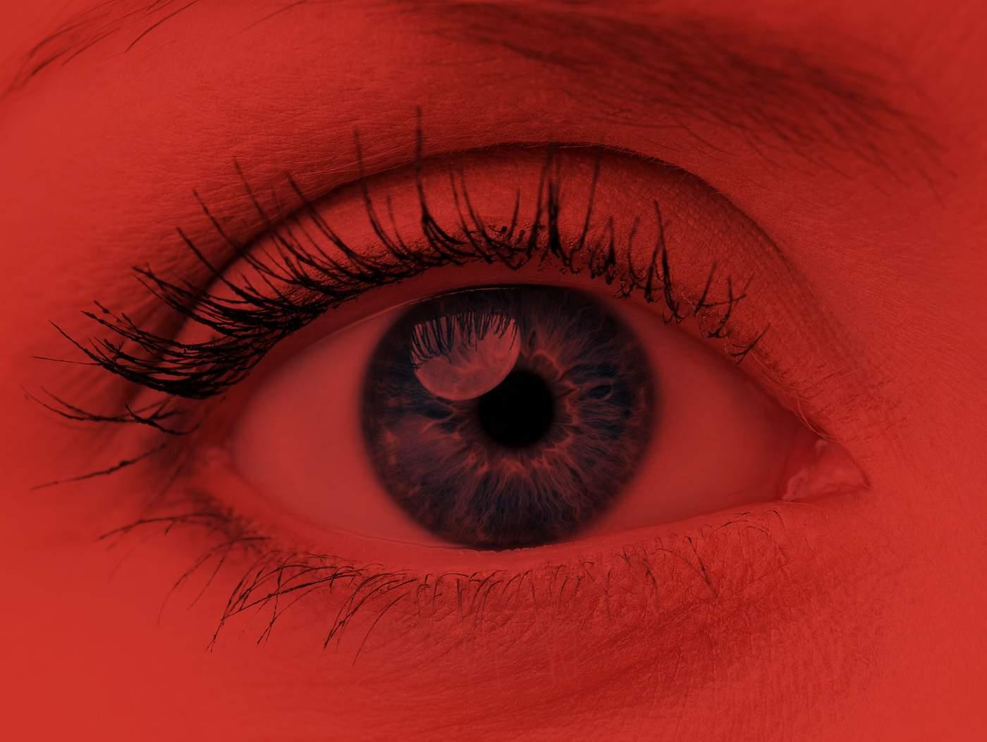 a szem fáj és a látás romlik)